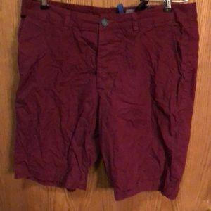 H&M burgundy shorts